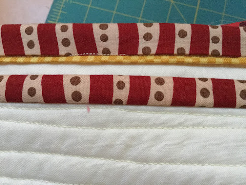 Machine quilt binding with faux piping tutorial
