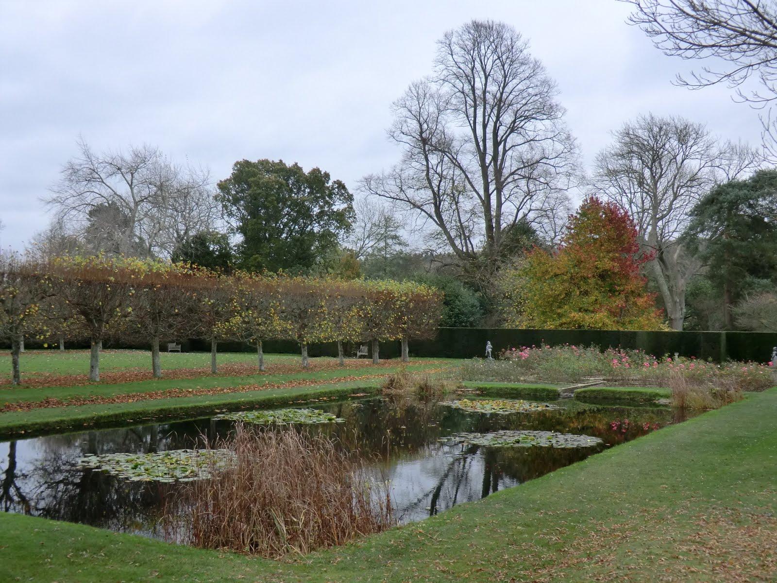 CIMG0233 Pond at Bateman's