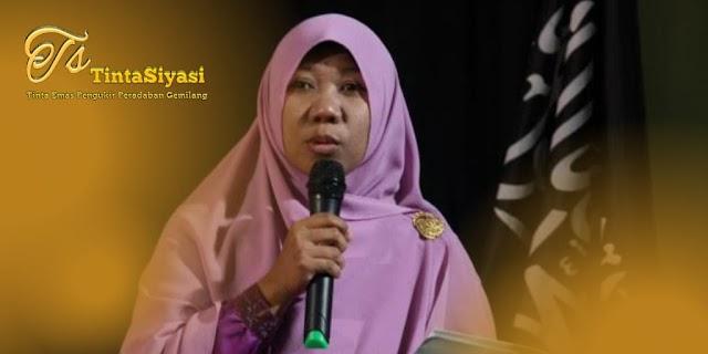 Ustazah Iffah Ainur Rochmah Nilai Ekonomi Kapitalistik Sengsarakan Ratusan Juta Rakyat, termasuk Perempuan