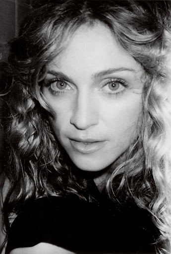 1998 - Madonna by Mario Testino for Vanity Fair - 12.jpg