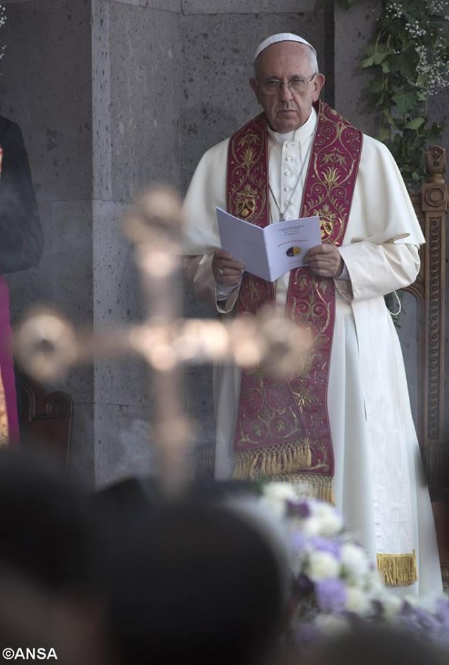 Boska Liturgia w Armenii, 26 czerwca 2016 - 13494775_1235214953156773_8297976350466201344_n.jpg