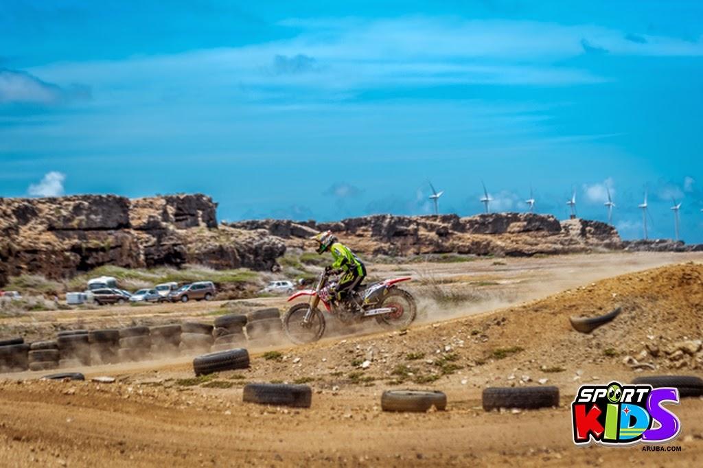 extreme motorcross Aruba - moto%2Bcross%2BGrape%2Bfiled%2BApril%2B2015-21.jpg
