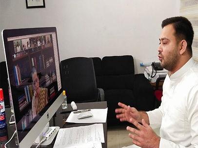 तेजस्वी ने कहा-गरीब परिवार को छह माह तक मिले 8 हजार रुपए, सभी दल मिलकर सरकार पर बनाएं दबाव