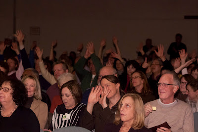 Unitarian Unilateralist Congregation of the Palisades crowd. Photos by TOM HART/  TomHartPhoto.com.