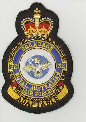 RAAF 032sqn crown.JPG