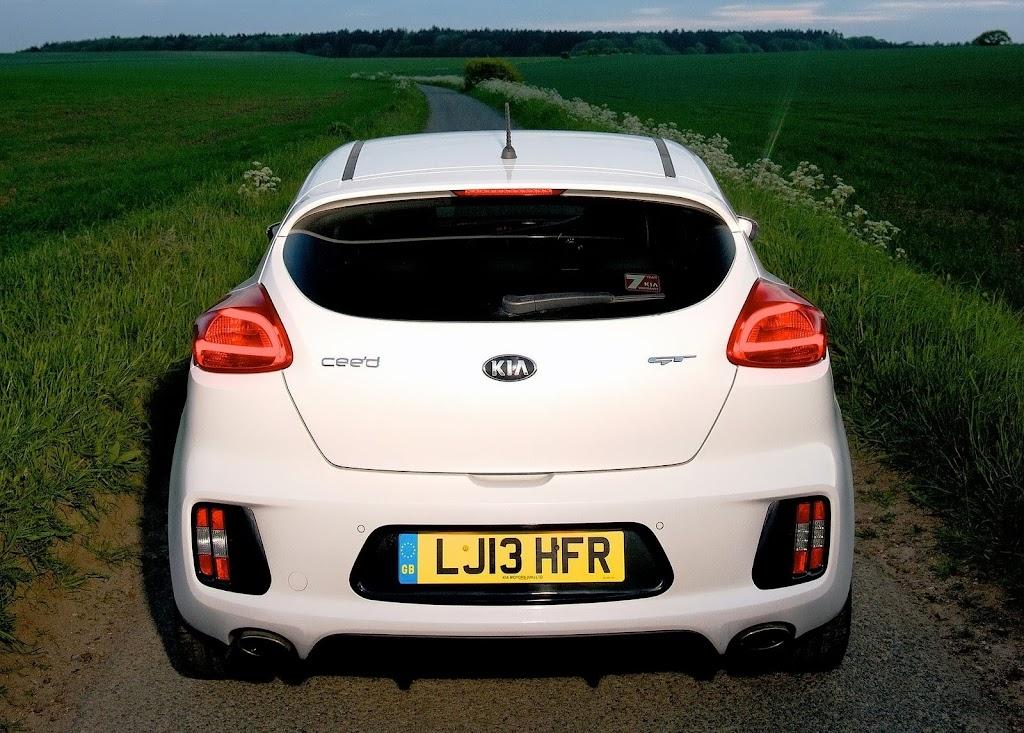Yeni-Kia-Pro-Ceed-GT-2014-50