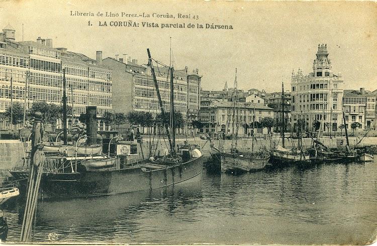 Vapor LANDRO II. Armador Benigno Lopez Muñoz. Puerto de A Coruña. Fecha indeterminada Ca. 1910.jpg