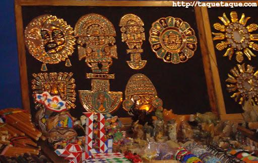 artesanía en el mercadillo del mar de Estepona (Málaga), (16 y 17 de julio de 2011)