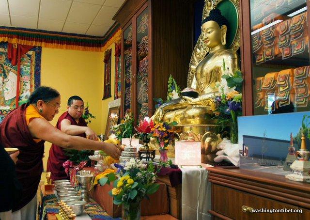 Tibetan Audience with HH Dalai Lama/HH Sakya Trizins Teaching in Portland, OR. - 04-cc%2BP5120254%2BC72.jpg