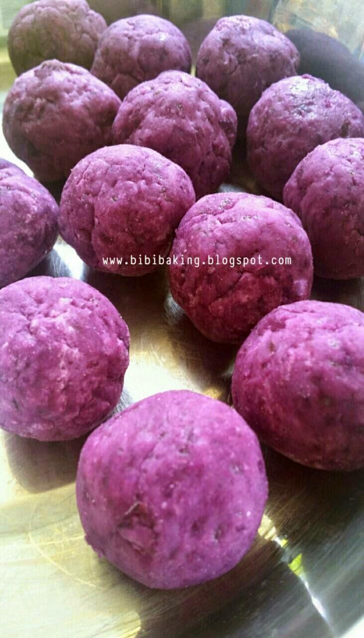 Bibi's Baking Journey: 炸番薯球(Deep Fried Sweet Potato Balls)