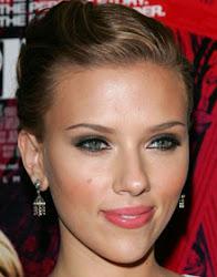 Scarlett Johansson rosto coração