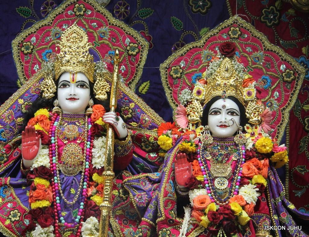 ISKCON Juhu Sringar Deity Darshan 20 Jan 2017 (26)