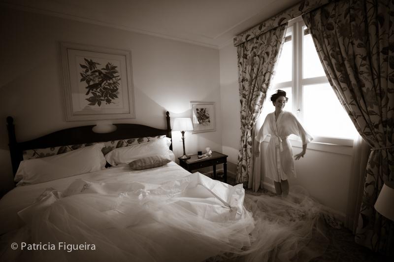Foto de casamento 0030pb de Mônica e Rafael. Marcações: 03/09/2011, Casamento Monica e Rafael, Copacabana Palace, Fotos de Making of, Hotel, Making of, Rio de Janeiro.
