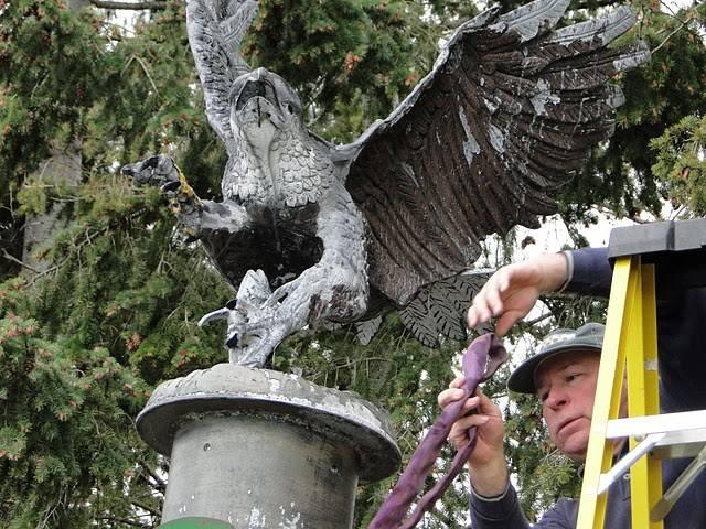 2010 Eagle Sculpture - Picture2.jpg