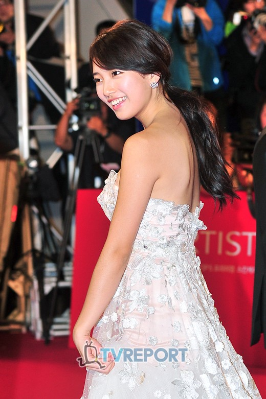 suzy gown 40