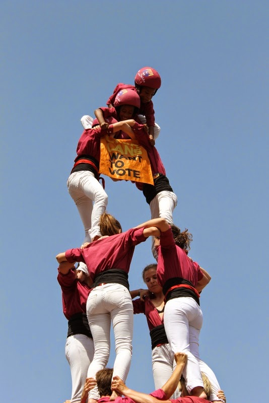 Castells Catalans Want to vote 8-06-14 - IMG_1968.JPG