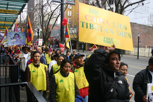 Global Protest in Vancouver BC/photo by Crazy Yak - IMG_0191.JPG