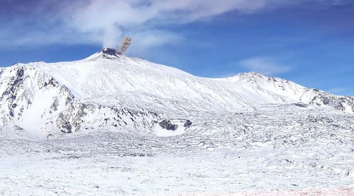 Etna: mantello bianco, ma cuore caldo. di kuveron