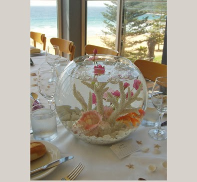 The fish factory spain wedding aquarium centrepieces for Centros de mesa con peceras
