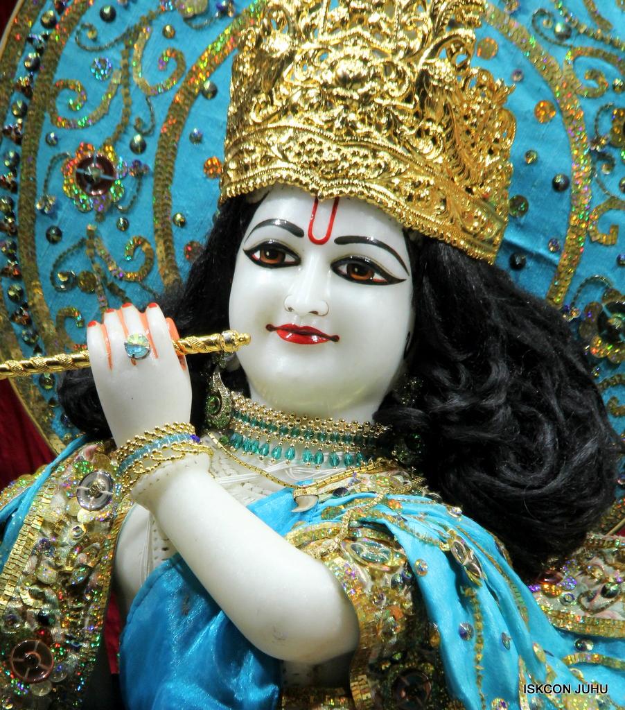 ISKCON Juhu Mangal Deity Darshan on 25th Oct 2016 (13)