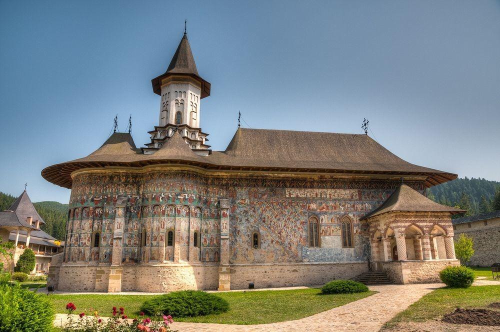 sucevita-monastery-2