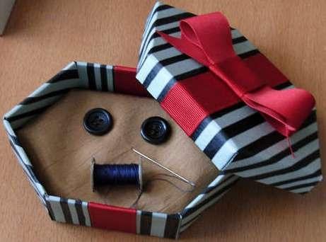 box che contiene i bottoni che l'Altra Madre regala a Coraline