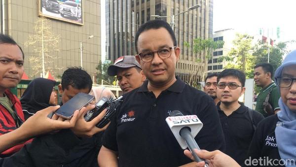 Anies Minta Jajaran Fokus Tangani Banjir: Jangan Posting Foto Seremonial!