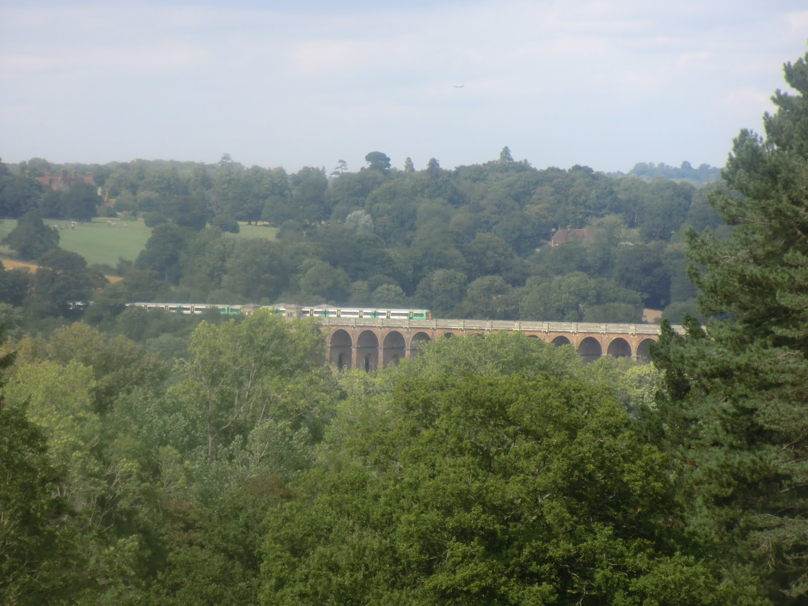 CIMG3760 Distant view of the Ouse Valley Viaduct