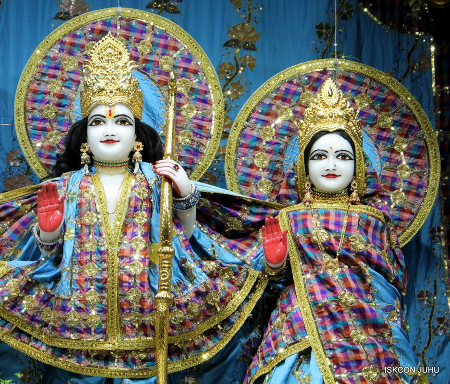 ISKCON Juhu Mangala Deity Darshan 09 April 2016 (43)