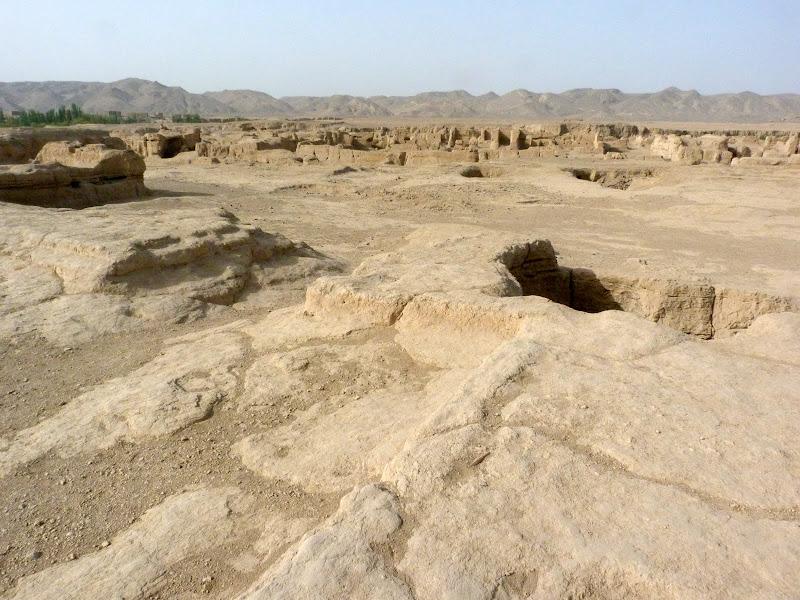 XINJIANG.  Turpan. Ancient city of Jiaohe, Flaming Mountains, Karez, Bezelik Thousand Budda caves - P1270771.JPG
