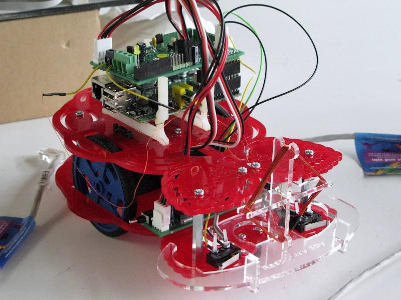 Photo: Raspberry Pi robot
