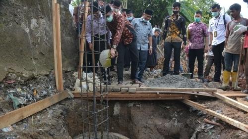 Gubernur Sumbar Irwan Prayitno Letakan Batu Pertama Tempat Parkir Masjid Subulussalam.