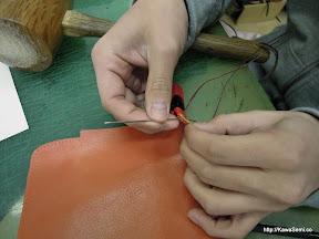 手縫いにてせかせか縫製中