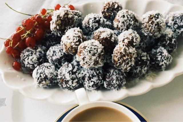 Sockerfria chokladbollar med smak av hallon