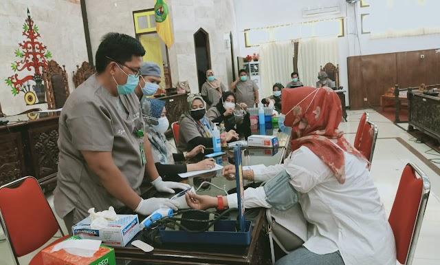 Anggota DPRD Kapuas Terima Vaksin Dosis Kedua