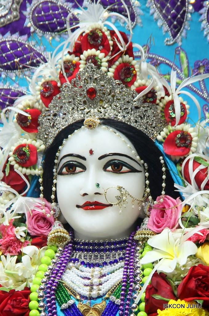 ISKCON Juhu Sringar Deity Darshan on 7th July 2016 (25)