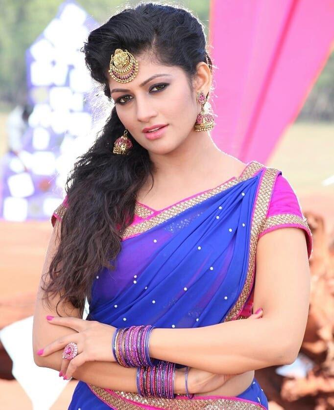 Radhika Kumaraswamy latest hot photos in saree Navel Queens