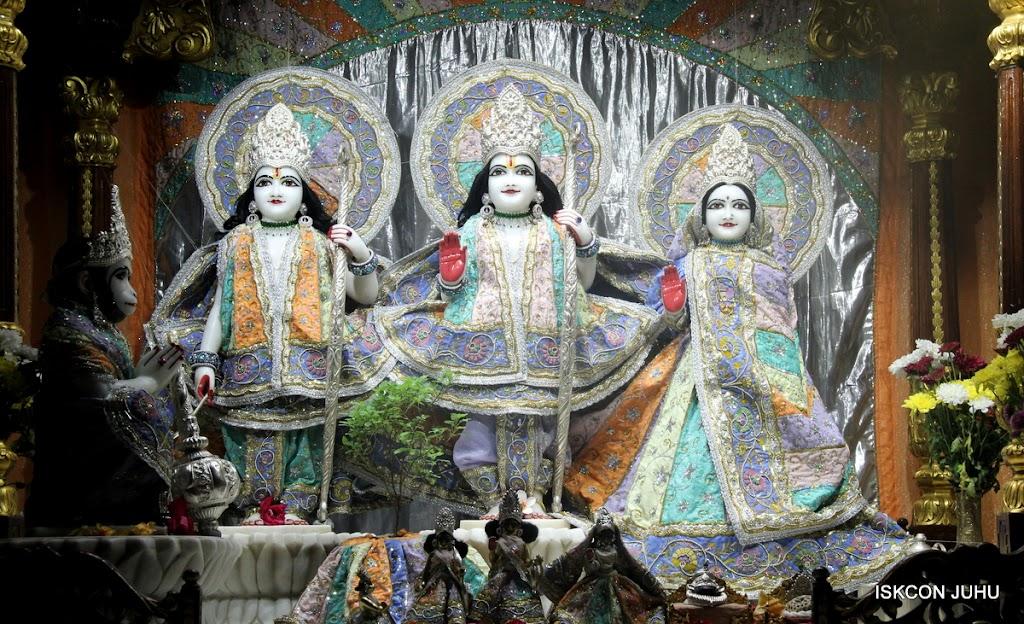 ISKCON Juhu Mangal Deity Darshan on 5th Aug 2016 (4)