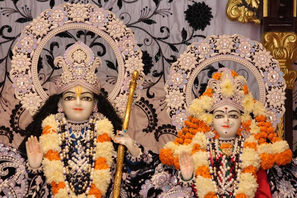 ISKCON Kanpur Deity Darshan 19 Dec 2015 (20)
