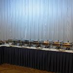 Kuřecí soté na mladých žampionech, cibulkou a japonskou bazalkou schované ještě pěkne v chafing dish