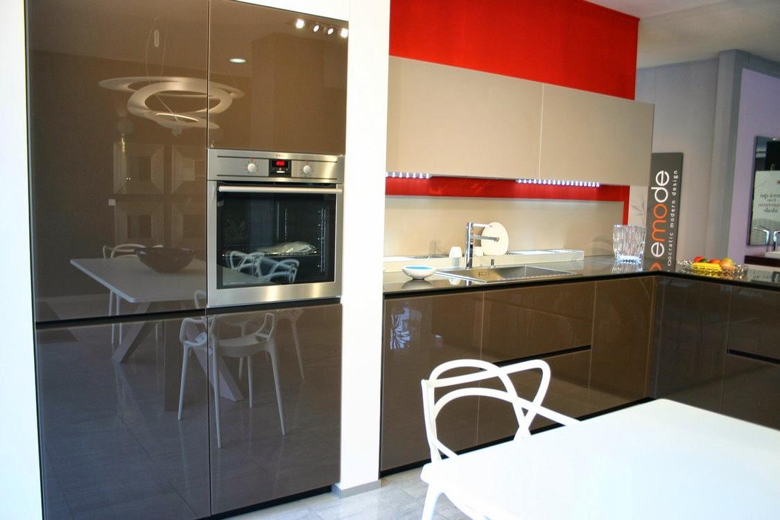 cucina Artematica Valcucine in vetro bronzo.jpg