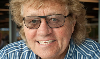 Bev Bevan Net Worth, Income, Salary, Earnings, Biography, How much money make?