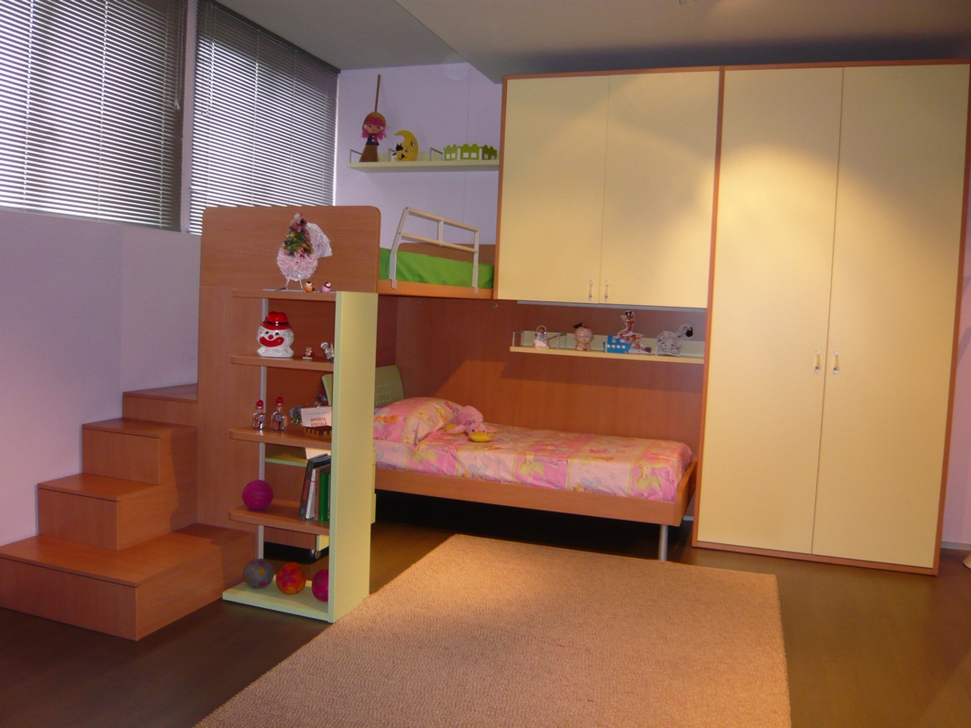 Camerette letti a castello e scrivanie camere per for Letti a soppalco per adulti