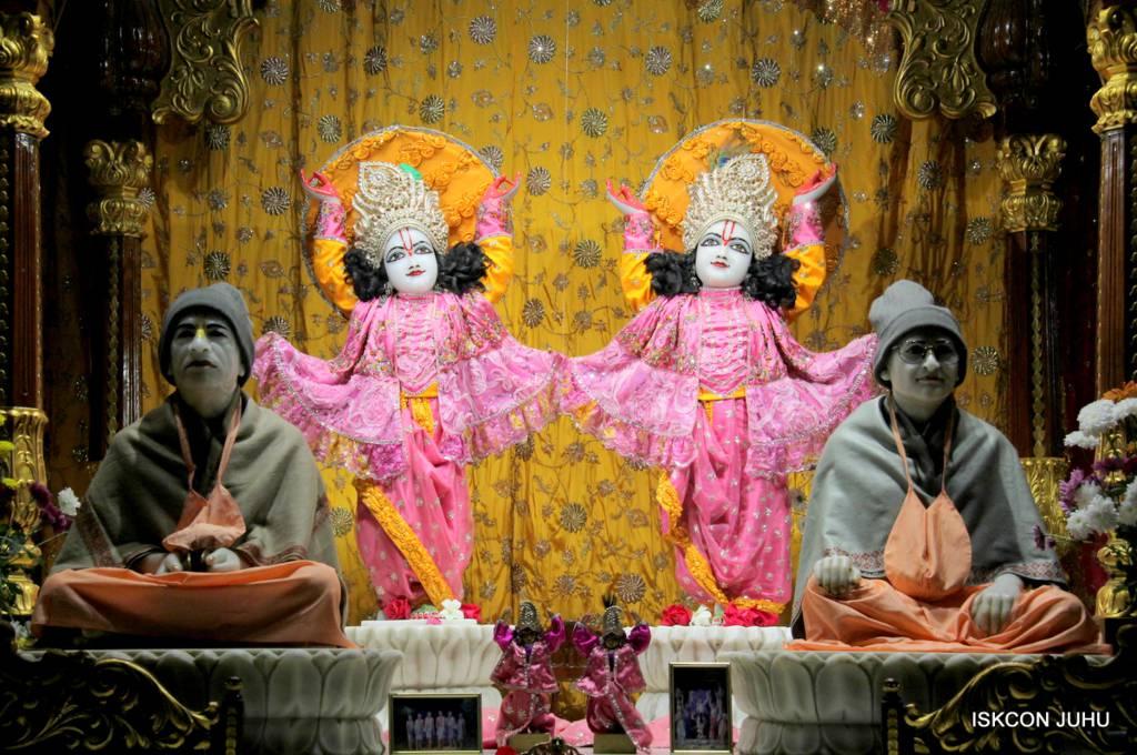 ISKCON Juhu Mangal Deity Darshan 29 Jan 2016 (25)