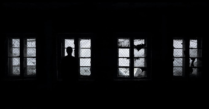 Silent Night    ||     𝑏𝑦 𝑀𝑖𝑐𝑎ℎ 𝐾𝑎𝑚𝑎𝑛𝑔𝑎
