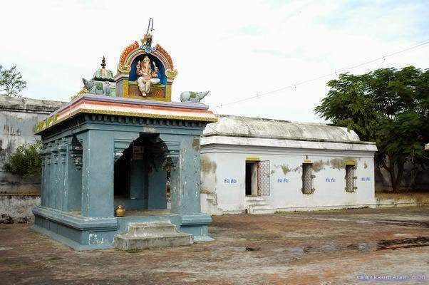 Sri Dayanitheeswarar Temple, Vadakurangaduthurai, Papanasam - 275 Shiva Temples