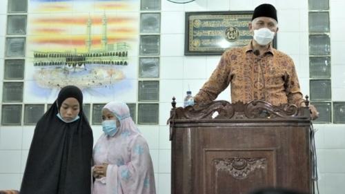 Mesjid Darussalam Padang Tiakar Bertarawih dan Tausiah Bersama Gubernur Sumbar