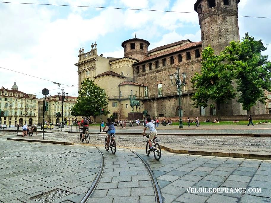 La forteresse médiévale Palazzo Madama - Balade à vélo à Turin en Italie par veloiledefrance.com