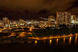 Honolulu at night (© 2010 Bernd Neeser)