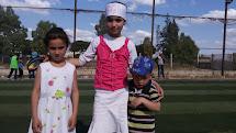 Osm týmů ze šesti syrských škol se na konci května zúčastnilo fotbalového turnaje, který jsme pořádali v Sarmadě v syrské provincii Idlíb. Alespoň na chvíli tak děti měly šanci si odpočinout od války, která jejich zemi sužuje déle než čtyři roky. Pohár pr